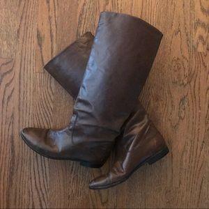3ab86bab2184 Women Gucci Flat Boots on Poshmark